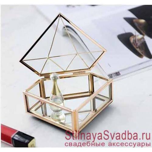 Стеклянная  шкатулка в форме бриллианта класса люкс фото