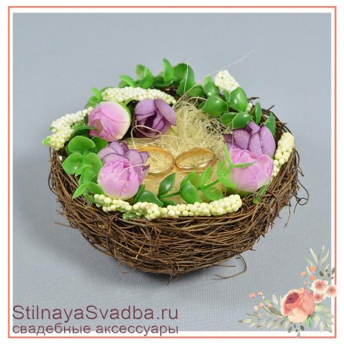 Гнёздышко с сиреневыми цветочками фото