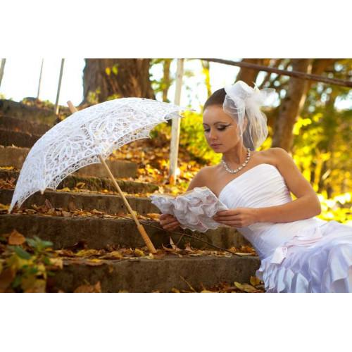 Кружевной  зонтик для романтичной фотосессии фото