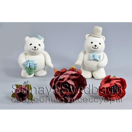 Комплект из трёх цветков в бордовых тонах фото