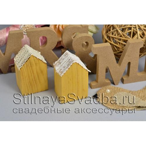 Миниатюрный  деревянный домик  фото