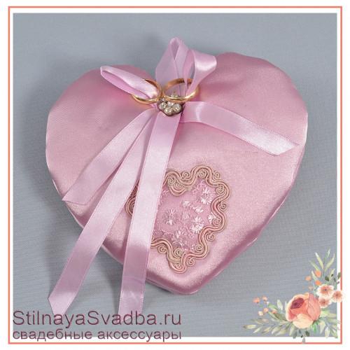Подушечка для колец в розовом цвете фото