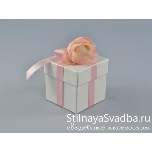 Бонбоньерка с кремовой розочкой фото