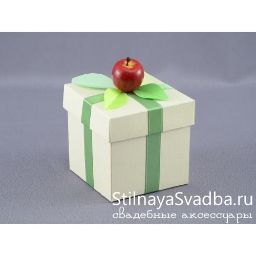 Бонбоньерка с красным яблочком фото