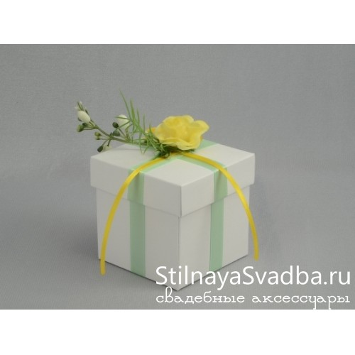 Бонбоньерка с жёлтой розочкой фото