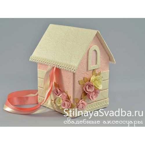 Очаровательный домик с открывающийся крышей фото