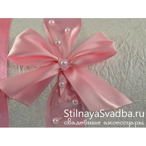 Сундучок с розовой лентой и жемчугом. Фото 000.