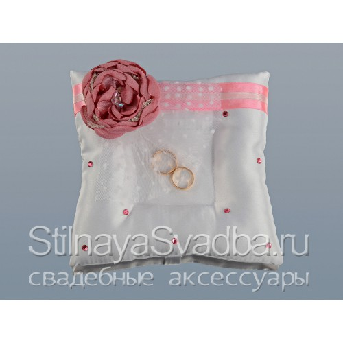 Фото. Подушечка для колец с розовым цветком