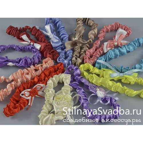 Подвязки для подружек невесты на свадьбу или девичник. Фото 000.