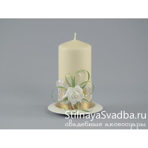 Свечи с белыми розами. Фото 000.
