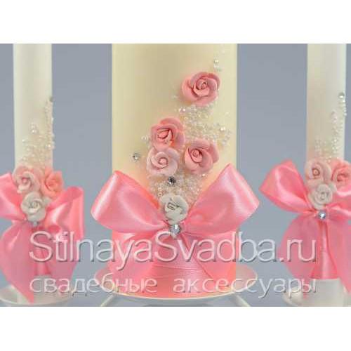 Свадебные свечи с цветами в розовом цвете. Фото 000.