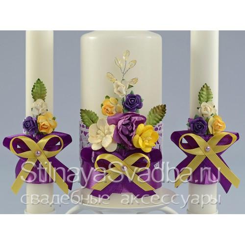 Комплект свечей в жёлто-фиолетовом цвете. Фото 000.