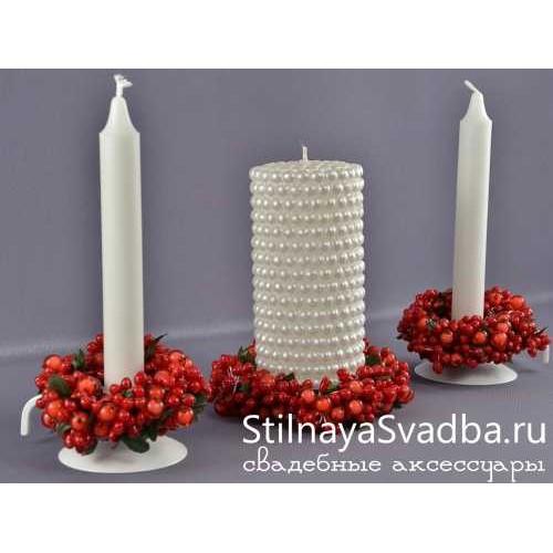 Свадебные свечи с веночками из ягод. Фото 000.