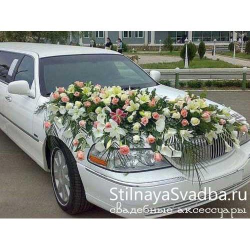 красивое украшение свадебной машины цветами №70 фото