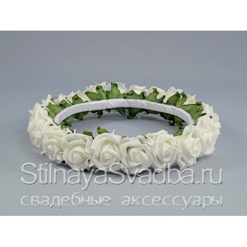Белоснежный венок из роз. Фото 000.