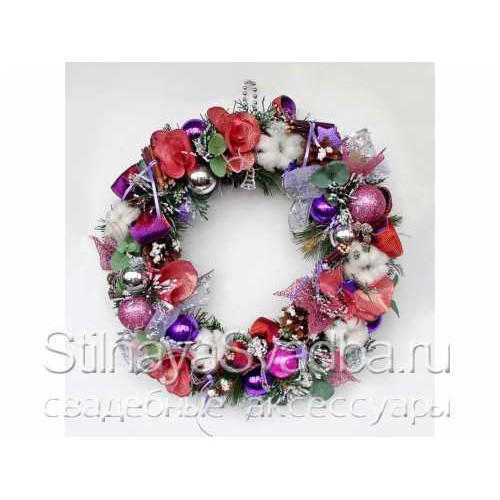 Фото. Венок новогодний на дверь или стену Розовая Зима