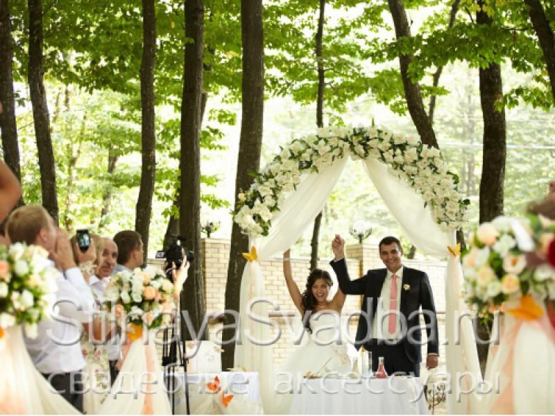 Выездная регистрация и декор свадьбы в пастельных тонах