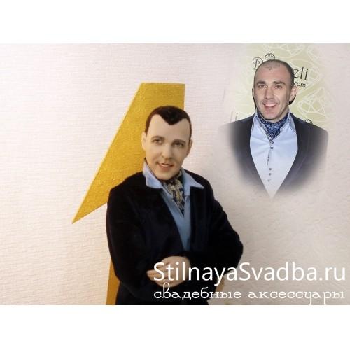 Фото. Мужская портретная кукла, Первый