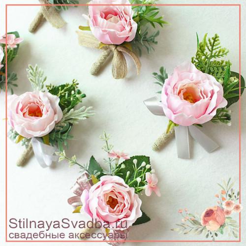 Бутоньерки с пионовидными  розочками  розовые фото