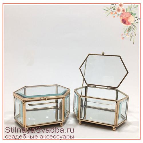 Стеклянная шкатулка в форме вытянутого шестигранника класса люкс фото