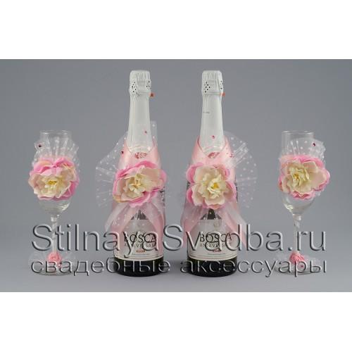 Коллекция свадебных аксессуаров  с розовыми пионами. Фото 000.