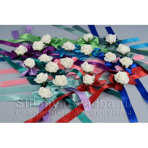 Браслеты разноцветные  с белой  розой фото