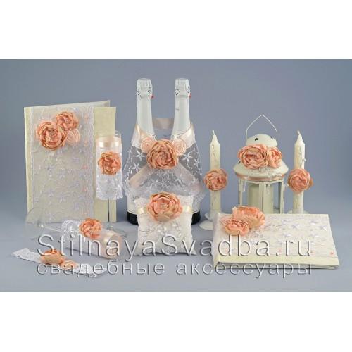 Фото. Свадебные аксессуары в персиково-пудровом цвете