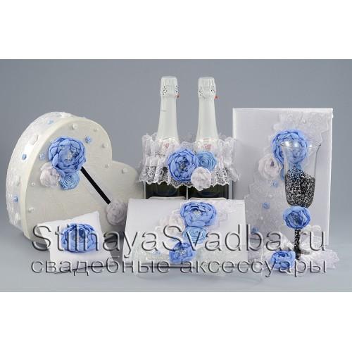 Фото. Свадебные аксессуары в небесно-голубом цвете
