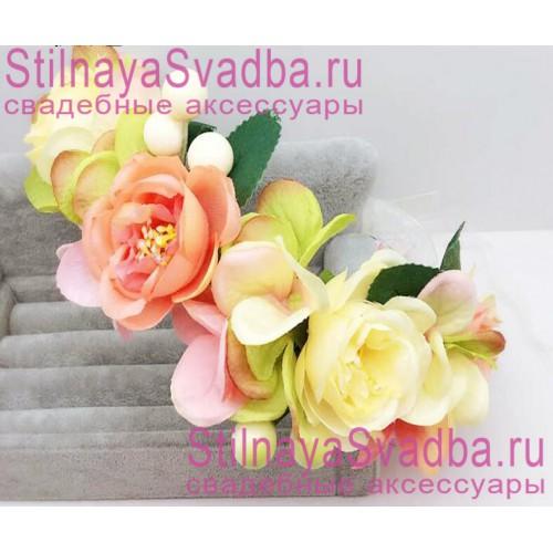 Браслет с розовыми и айвори цветами фото