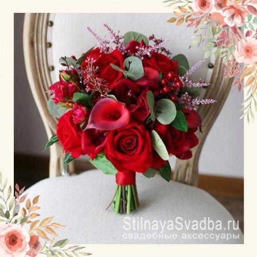 Букет невесты красный из роз, калл, гортензии, эвкалипта, орхидеи фото