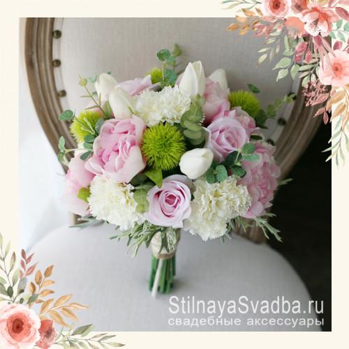 Букет невесты с пионами, гвоздикой, розами и тюльпанами фото