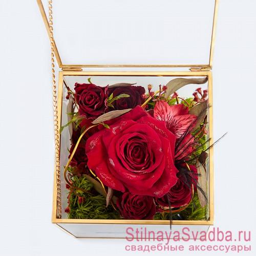 Стеклянная шкатулка для колец с флористической композицией в красно-зелёном цвете фото
