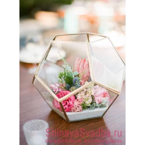 Флорариум  с флористической композицией и белым песком фото