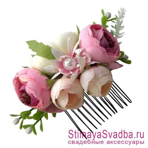 Гребешки  с цветами и зеленью  в прическу розовый фото