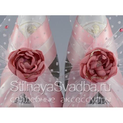 Коллекция свадебных аксессуаров с розовыми цветами . Фото 000.
