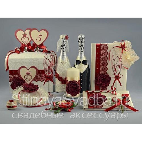 Коллекция свадебных аксессуаров в цвете марсала  фото