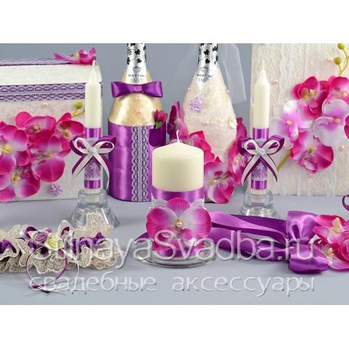 Аксессуары с лиловыми орхидеями . Фото 000.