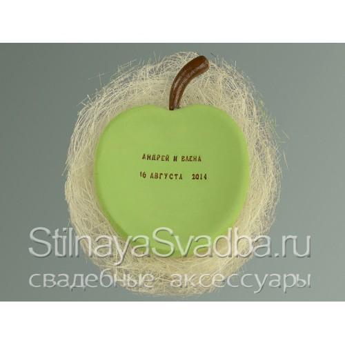 Яблочная коллекция свадебных аксессуаров . Фото 000.