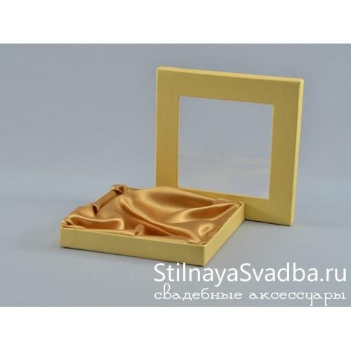 Фото. Миниатюрная коробочка с окошком
