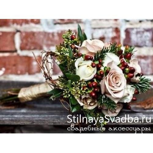Зимний гиперикум с розами  фото