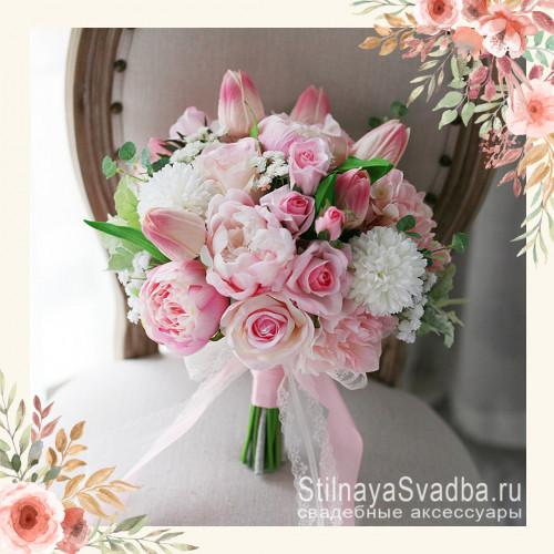 Розовый букет из пионов, гортензий, роз, ранункулюсов фото
