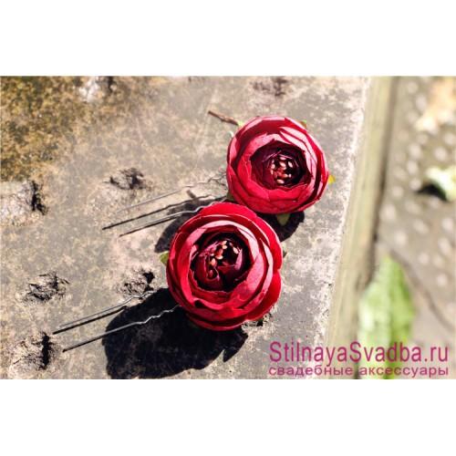 Шпильки  для волос с цветами ранункулюсов красные фото