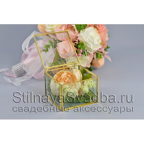 Стеклянная шкатулка для колец прямоугольной формы с персиковой розой фото