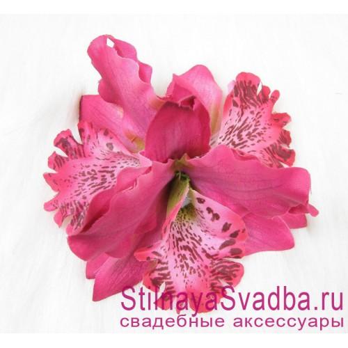 Заколка с орхидеями  в прическу тройная малиновая фото