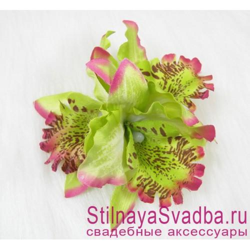 Заколка с орхидеями  в прическу тройная салатовая фото