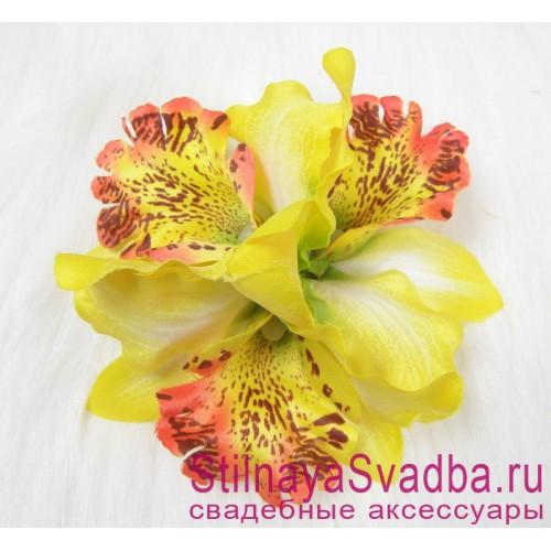 Заколка с орхидеями  в прическу тройная жёлтая фото