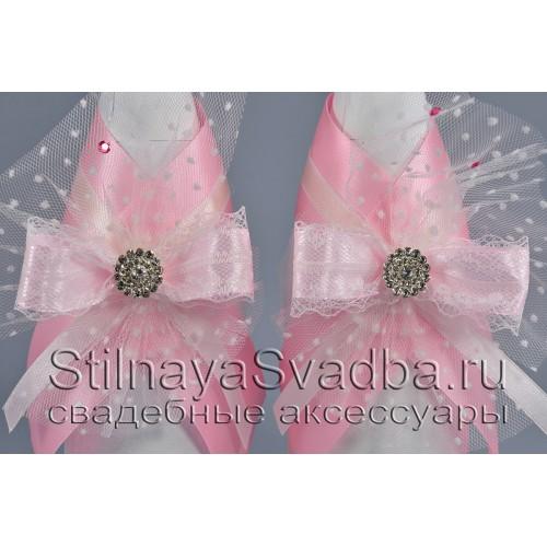 Украшения для шампанского с розовыми бантами фото
