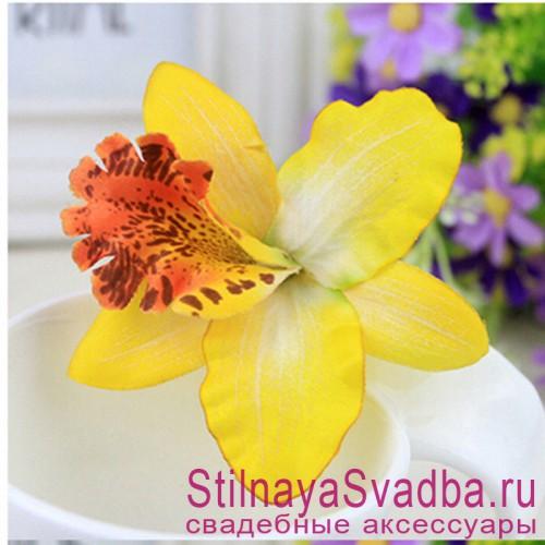 Заколки с орхидеями  жёлтого цвета фото