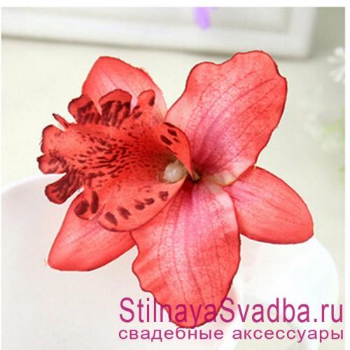Заколки с орхидеями  красного цвета фото