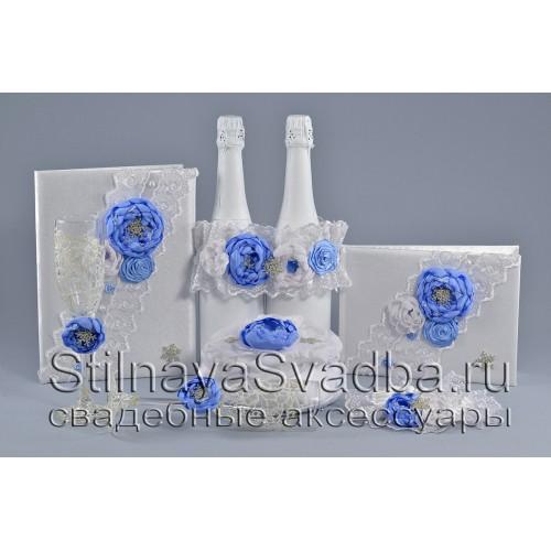 Зимняя коллекция свадебных аксессуаров в бело-голубом цвете фото